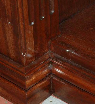 column-foot-detail-shelf-si.jpg